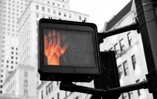 Ampel mit roter Hand, Credit: Kai Pilger, Unsplash