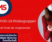 Rechteck mit rotem Hintergrund, Bild: Frau mit Maske desinfiziert Hände, Text: COVID-19-Risikogruppen. Für ein Ende der Ungewissheit. Credit: Canva
